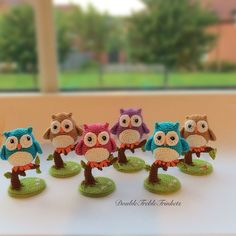 Cute little owls to crochet - free pattern- owl, base and tree are all separate, but all free.