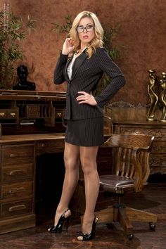 Sexy.. | Great legs in pantyhose