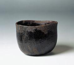 """Hon'ami Koetsu, Tazza per il tè nota come Murakumo, periodo Edo, XVII secolo. Dalla mostra """"Giappone. Terra di incanti"""" http://nihonexpress.blogspot.it/2012/06/giappone-terra-di-incanti.html"""
