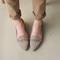 Korea womens shopping mall [styleberry] Gold Chain Classic Loafers  / Size : 230-250 / Price : 41.76 USD #korea #fashion #style #fashionshop #styleberry #lovely #shoes #roafers