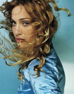 "I love this photographer, his work is art: Vogue, V Magazine, Calvin Klein, Burberry,Kate Moss…What else? This are some photos of his book ""Portraits"": Me encanta este fotógrafo, …"