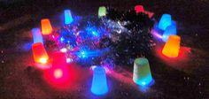 CREATECTURA: Instalación para los niños de infantil Reggio Emilia, Movement Preschool, Imagination Station, Glow Sticks, Light Reflection, Sensory Play, Infant Activities, Toddler Preschool, Light And Shadow