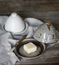 Home Decor Objects Ideas & Inspiration : Half butter dishes from Mt. Ceramic Tableware, Ceramic Clay, Ceramic Pottery, Ceramics Projects, Clay Projects, Earthenware, Stoneware, Tadelakt, Pottery Classes