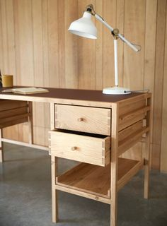 Intarsia Woodworking How To Make woodworking bed craft rooms. Intarsia Woodworking, Woodworking Furniture, Woodworking Projects Plans, Furniture Plans, Woodworking Crafts, Diy Furniture, Furniture Design, Woodworking Videos, Woodworking Classes