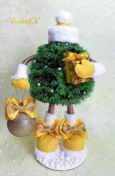 Easy Christmas Ornaments, Christmas Swags, Christmas Sewing, Diy Christmas Gifts, Christmas Projects, Christmas Art, Simple Christmas, Theme Noel, Xmas Decorations