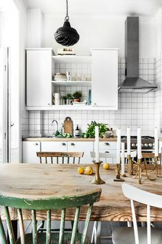 55 veces he visto estas lindas cocinas vintage. Decor, Kitchen Interior, Kitchen Inspirations, Interior, Home, Small Kitchen, House Interior, Home Kitchens, Cosy Kitchen