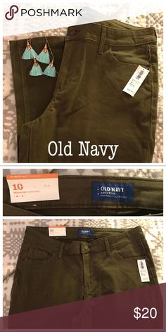 10 regular Old Navy olive green rockstar skinnies 10 regular Old Navy olive green super skinny mid-rise Rockstar jeans. NWT. They are too short on me. Love the color and the soft, brushed fabric. Offers are always welcome 😊 Old Navy Jeans Skinny