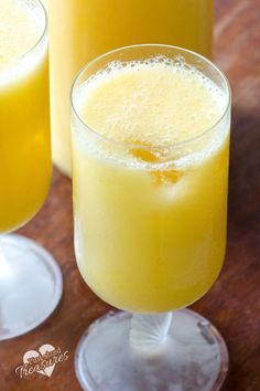 Sparkling mango citrus drink is the perfect beverage for family and friends. Sweet, tangy and bubbly! Plus it's a cinch to make! Enjoy! @alicanwrite doinggood ad