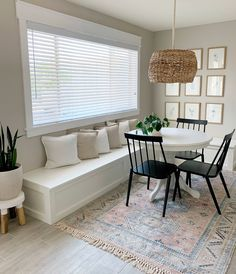 How to Build a Banquette Dining Bench - Lemon and Bloom Built In Dining Room Seating, Banquette Seating In Kitchen, Banquette Bench, Banquet Seating, Kitchen Benches, Built In Bench, Dining Nook, Diy Storage Dining Bench, Bench Seat Dining Room