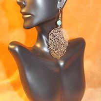 elegant golden earring with single bead. dmsstudio.storenvy.com