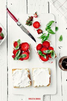 Toast with Strawberries