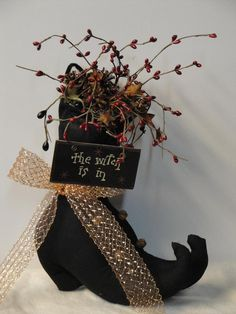 Primitive Decorative Witch Boots - Best Primitive Decorating Ideas, http://hative.com/best-primitive-decorating-ideas/,