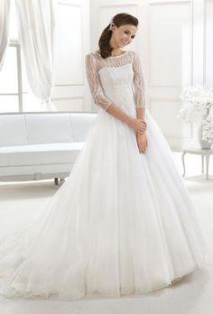 b91380c32d9 52 nejlepších obrázků z nástěnky Svatební šaty