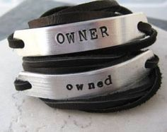 This group is devoted to Real BDSM and open debate; Bracelets Wrap En Cuir, Bracelet Set, Men Bracelets, Daddys Little Princess, Daddys Girl, Leather Handcuffs, Slave Collar, Dom And Subs, Fotografia Macro