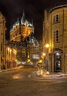 Château Frontenac in winter - Quebec, Canada. I have seen this place in the summer but it didn't look like this!