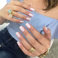 French Nails - French Nail Tip Ideas, French Nail Polish, French Tip Nail Designs Cute Nails, Pretty Nails, My Nails, Glitter Nails, Metallic Nails, Classy Nails, Simple Nails, French Manicure Nails, Manicure And Pedicure