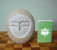 優しい表情の地蔵様に仕上がりました。砂岩系の石を彫りました。|ハンドメイド、手作り、手仕事品の通販・販売・購入ならCreema。