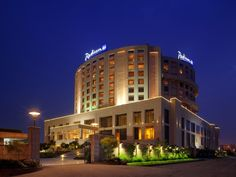 Conveniently located near Indira Gandhi International Airport, Radisson Blu Hotel New Delhi Dwarka is a five star hotel in new delhi. It offers modern facility to its guest who want to enjoy stress free holiday in #newdelhi. #newdelhihotels #luxuryhotels