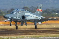 An Hawk 127 departs for a display at RAAF - Aus_AirForce Avalon Airport Australian Defence Force, Royal Australian Air Force, Military Helicopter, Military Aircraft, Boxer Rebellion, Air Show, Fighter Jets, Aviation, Display