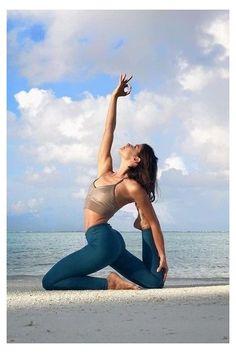 Yin Yoga, Bikram Yoga, Kundalini Yoga Poses, Yoga Meditation, Yoga Images, Yoga Pictures, Outdoor Yoga, Yoga Inspiration, Yoga Significado