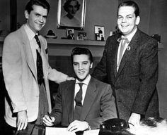 Sam Phillips with Elvis signing a management contract with Bob Neal - ca. Dec. 1954 courtesy David English | Scotty Moore - Bob Neal, Elvis' second Manager