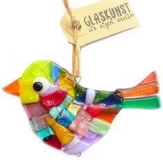 Handgemaakte multicolor vogel van speciaal glas. Unieke glazen hanger ter decoratie van huis en tuin!