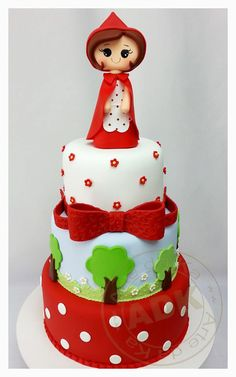 15 Beautiful Little Red Riding Hood Cake Designs - One Charming Day Gorgeous Cakes, Amazing Cakes, Fondant Cakes, Cupcake Cakes, Bolo Fack, Girly Cakes, Gateaux Cake, Character Cakes, Just Cakes