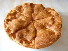 La torta de menjar blanc è un dolce tipico della città di Alghero. la frolla custodisce un ripieno morbido al profumo di limone.