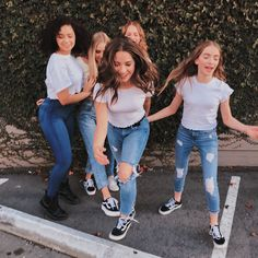 """Eclipse Lauren and the cast of """"Total Eclipse"""" this is one of our new shows. Bff Pictures, Best Friend Pictures, Friend Photos, Cute Photos, Dance Moms Girls, Mackenzie Ziegler, Cute Friends, Best Friend Goals, Friends Fashion"""