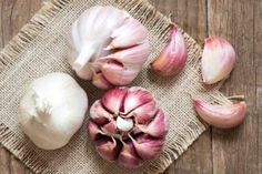 The Hidden Advantages of Garlic:Solve High Blood Preasure and Kills Cancer Cells! Superfoods, Blood Preasure, Garlic Health Benefits, Natural Kitchen, Fresh Garlic, Asian Cooking, Health Advice, Types Of Food, International Recipes