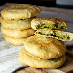 Bengali Matar Kachori - Indian street food at its finest! (Note that maida is a kind of flour, subbing all-purpose will do just fine. Indian Snacks, Indian Food Recipes, Vegetarian Recipes, Kitchen Recipes, Cooking Recipes, Comida India, Bengali Food, Indian Breakfast, Indian Street Food