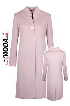 Kvalitný zimný kabát je základom pre dokonalý biznis look. Dresses For Work, Fashion, Wraps, Moda, La Mode, Fasion, Fashion Models, Trendy Fashion