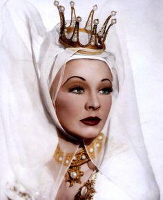 """Vivien Leigh - As Lady Macbeth In """"Macbeth"""""""
