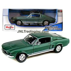 Maisto Special Edition Series 1:18 Scale Die Cast Car - Green Classic Coupe 1967…