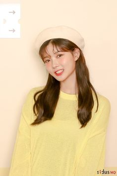 Kim Yoo Jung radiates with beauty in behind the scenes commercial shoot! Female Actresses, Korean Actresses, Korean Actors, Actors & Actresses, Korean Idols, Korean Dramas, Korean Makeup Look, Korean Beauty, Asian Makeup