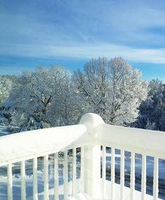 Nature's perfection! I Love seeing loads of snow a blue sky! #nature #home ------- Perfeição da Natureza Amo dias assim - céu azul e muita neve! #emcasa #natureza by camilacoelho