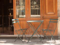 The Five Best Apps for Food-Lovers in Paris