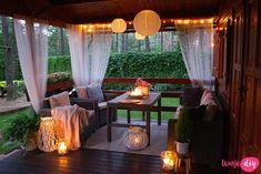 Jak urządzić drewniany taras? Moje sposoby na wyjątkowy klimat. - Twoje DIY Backyard Patio Designs, Pergola Patio, Outdoor Patios, Outdoor Rooms, Patio Ideas, Outdoor Living, Bamboo House Design, Tiny House Loft, Small Balcony Decor