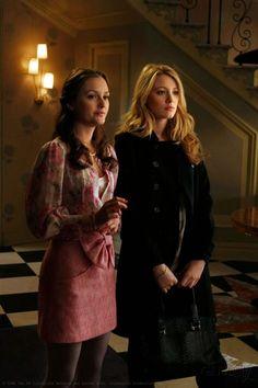 """Blair and Serena _ Blair's house. Season 2 Episode 23 """"The Wrath Of Con""""."""
