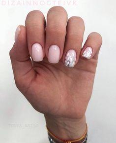 Silver and sime pink nails Nude Nails, Nail Manicure, Pink Nails, Acrylic Nails, Classy Nails, Stylish Nails, Hair And Nails, My Nails, Minimalist Nails