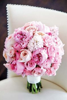 18 pink wedding bouquets to fall in love with 16