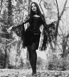 Hot Goth Girls, Gothic Girls, Witch Fashion, Models Makeup, Gothic Outfits, The Chic, Fashion Models, Daughter, Photo And Video