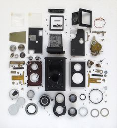 Zeiss Ikon Ikoflex circa It's a Twin Lens Reflex camera in exploded parts view. With Novar Anastigmat taking lens & Teronar Anastigmat viewing lens. Takes 6 x images using 120 format film. Twin Lens Reflex Camera, 120 Film, Camera Obscura, Zeiss, Ikon, Cameras, Projects To Try, Gallery Wall, Frame