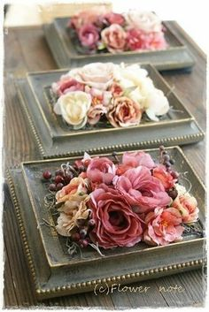 DIY floral centerpieces with vintage-chic atmosphere. This antique inspired frame- DIY-Blumenmittelstücke mit Vintage-Chic-Atmosphäre. Diese antik inspirierten Rahmen DIY floral centerpieces with vintage-chic atmosphere …. Diy Wedding Flower Centerpieces, Floral Centerpieces, Floral Arrangements, Wedding Flowers, Centerpiece Ideas, Table Centerpieces, Creative Flower Arrangements, Wedding Bouquets, Deco Floral