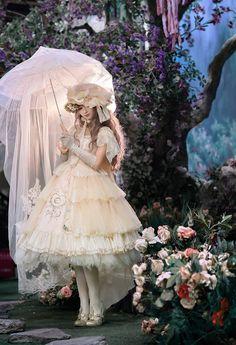 Harajuku Fashion, Japan Fashion, Kawaii Fashion, Lolita Fashion, Quirky Fashion, Fashion Art, Fashion Beauty, Fashion Outfits, Estilo Lolita