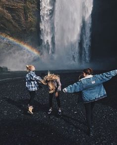 Nothing is boring when I'm with my BFF. Friends for life. Best Friend Goals, My Best Friend, Three Best Friends, Besties, Tmblr Girl, Bild Tattoos, Friend Pictures, Adventure Is Out There, Friends Forever