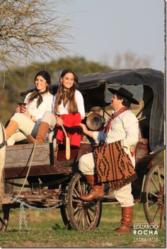 image Rio Grande Do Sul, States Of Brazil, Estilo Cowgirl, Prado, Country Life, Outfit, Baby Strollers, Couple Photos, People