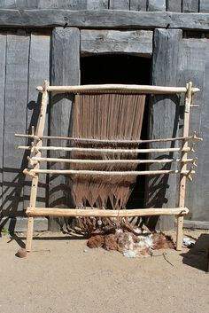 20 Haithabu 10-05-2009 by Kai-Erik, via Flickr. Good detail on how the strings are attached.
