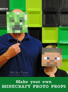 Throw the ultimate Minecraft Party! Make Your Own Minecraft Photo Props + FREE Downloads for your minecraft party. Perfect for a Minecraft photobooth!