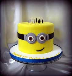 Despicable Me Minion Cake - Cake by gizangel